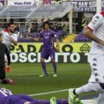 Con Juan Vargas, Fiorentina pierde 3-1 ante el Cagliari