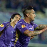 Juan Vargas anota golazo y Fiorentina avanza a semis de Europa League