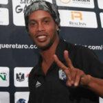 """Ronaldinho: """"No me retiro y espero seguir jugando un buen tiempo más"""""""
