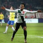 Renato Tapia vuelve a estar en el once ideal del fútbol holandés