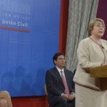 Bachelet promulgó ley que reconoce unión civil de homosexuales