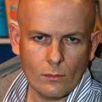 Asesinan a tiros en Kiev a un conocido periodista prorruso