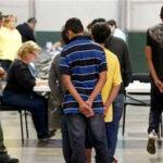 EEUU: desbaratan red hispana que organizaba matrimonios falsos