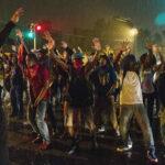EEUU: tres heridos de bala en nueva protesta por muerte de Freddie Gray