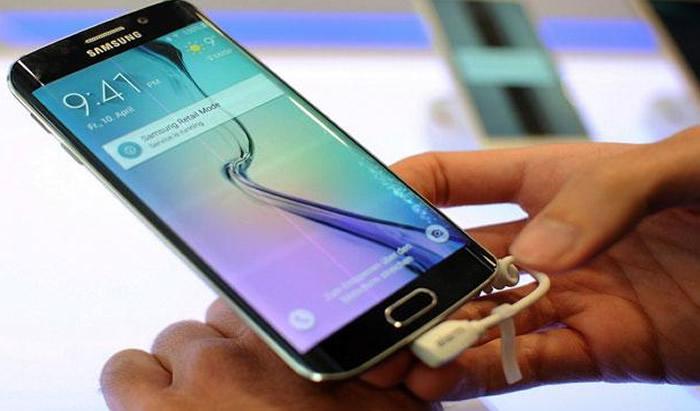 Los Galaxy S6 y Galaxy S6 Edge ya están en Perú. La última apuesta de smartphones de la multinacional Samsung deja el plástico tradicional por el metal y vidrio. Es decir, más elegancia, mejor rendimiento y mayor autonomía.