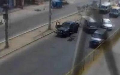 Una banda de marcas disparó este viernes contra una camioneta en la avenida Túpac Amaru, en el límite entre San Martín de Porres e Independencia.