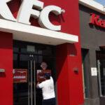 KFC: clausuran local en La Victoria por tener basura en la cocina