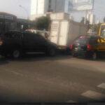 Lima: congestionamiento vehicular desquicia a choferes y pasajeros.
