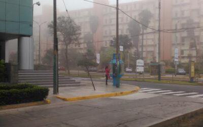 Los amaneceres fríos de otoño que soporta Lima se mantendrán acompañados por neblina que cubrirá, sobre todo, los distritos litorales en los siguientes días, anunció hoy el Senamhi.