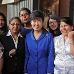 Presidenta de Corea del Sur se reúne con fans del K-pop de Perú