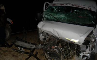 PUNO.- Ocho muertos y siete herido dejó un triple choque producido en el kilómetro 1476 de la vía Puno Desaguadero, a la altura de la comunidad de Jakehuatave.