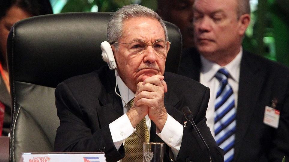 """Raul Castro reiteró a Barack Obama disposición a la """"convivencia civilizada""""."""