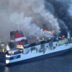 España: dramático rescate de 143 turistas de buque en llamas (VIDEOS)