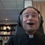 Star Wars: sacerdote se emociona con tráiler (YouTube)