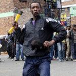 Radio deja de transmitir música por ataques xenofóbicos