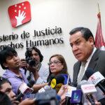 """Ministro de Justicia: """"Procuradores sí pueden declarar a los medios"""""""