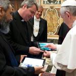 Francisco renueva y moderniza prensa de la Santa Sede