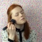 YouTube: bloguera ciega da clases de maquillaje (VIRAL)