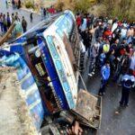Bolivia: mueren dos peruanos en choque de bús con camión