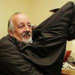 Vaticano: Francisco expulsa a cura acusado de violar menores