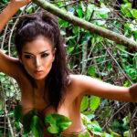 Claudia Portocarrero se desnuda en la selva (Vídeo)
