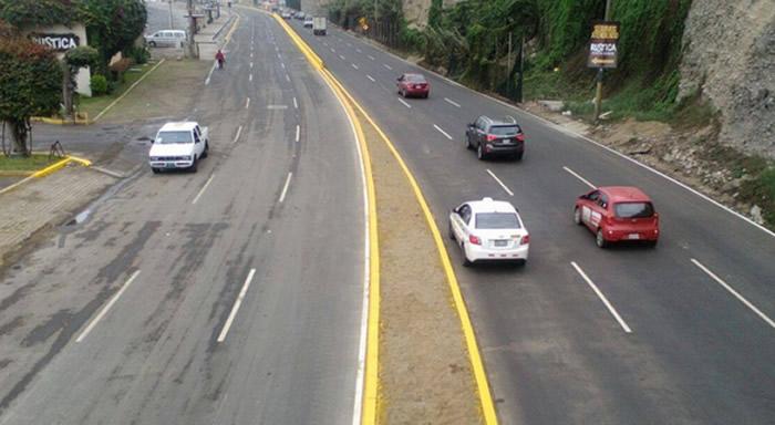 La Municipalidad de Lima pondrá en servicio desde este jueves cuatro kilómetros de amplias pistas pavimentadas de la Costa Verde, entre Barranco con Chorrillos, lo que permitirá un tránsito vehicular fluido y seguro para los conductores que emplean esa vía de la capital.