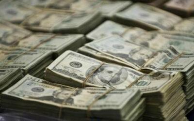 """El precio del dólar en el país ha empezado a corregirse y estabilizarse, debido a que en los últimos días, su alza """"se ha suavizado"""", aseguró el gerente de Estudios Económicos de Scotiabank, Guillermo Arbe."""