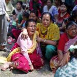 Terremoto Nepal: miles de personas en las calles y más edificios colapsados