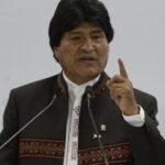 Bolivia: Evo Morales iza bandera en corazón de La Paz