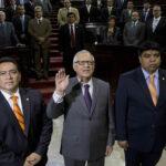 Guatemala: Congreso elige a ex juez como vicepresidente del país
