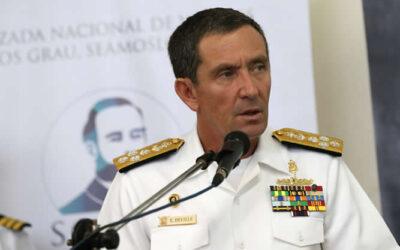 La Marina de Guerra del Perú está reforzando la seguridad en el espacio marítimo peruano, anunció el comandante general de esta institución castrense, Edmundo Deville del Campo.
