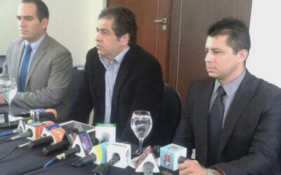 LA PAZ.- Los familiares de Martín Belaunde aseguraron hoy desconocer que se fuera fugar. Dijeron, además, no saber su paradero, sostuvo hoy Moisés Ocampo, sobrino del prófugo empresario.