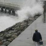 Perú: se mantienen cerrados 76 puertos por intenso oleaje
