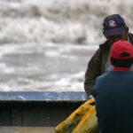 Oleajes anómalos afectarán litorales centro y sur hasta el viernes 18