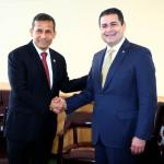 Libre comercio: presidentes de Perú y Honduras firman acuerdos