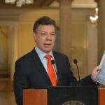 """Colombia: Santos afirma defender la libertad de prensa a """"capa y espada"""""""
