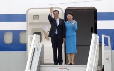 El primer ministro de la República Popular China, Li Keqiang, y su comitiva fueron recibidos la tarde de este viernes por la canciller Ana María Sánchez.en el Grupo Aéreo Nº 8.