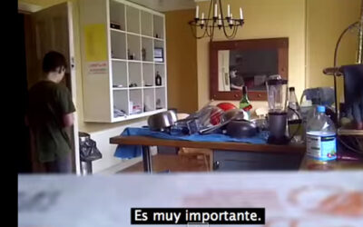 Un nuevo video de Youtube que muestra la reacción de un padre cuando se enteró qué calificación había obtenido su hijo en matemática está causando sensación en las redes sociales.