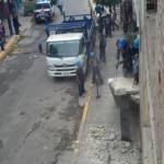 Chorrillos: destruyen escaleras construidas en la vía pública