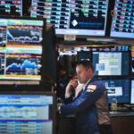 Wall Street cierra en terreno mixto y el Dow Jones baja un 0.27%