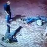YouTube: anciano noquea a dos jóvenes en Rusia (VIDEO)