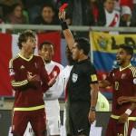 Perú vence 1-0 a Venezuela: Paolo Guerrero recibió terrible pisotón