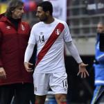 Selección: Claudio Pizarro aclara que no se molestó por cambio