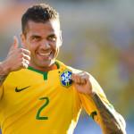 Copa América: Dani Alves viaja con selección rumbo a Chile