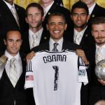 """Obama: FIFA debe funcionar """"con integridad y transparencia"""""""
