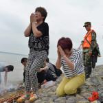 China: suman 434 los cadáveres rescatados del río Yangtsé