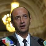 Aborto: ministra lamenta declaraciones de Juan Carlos Eguren