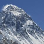 Monte Everest se ha desplazado 40 centímetros, según geólogos