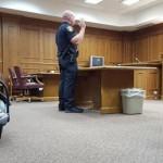 Facebook: padre y bebé juran como policías en EEUU (VIRAL)