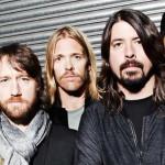 Dos rayos caen contra audiencia de concierto de Foo Fighters